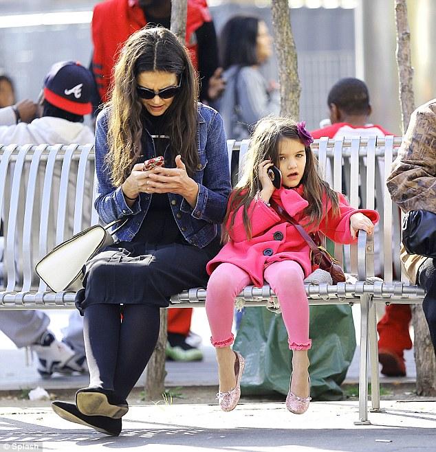 Katie Holmes, Suri Cruise, smart phones, technology, social media, social media detox