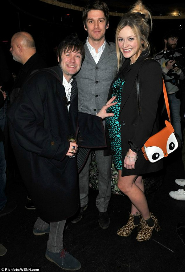 Fearne Cotton, fox satchel bag, Fearne baby bump, Fearne Cotton pregnant