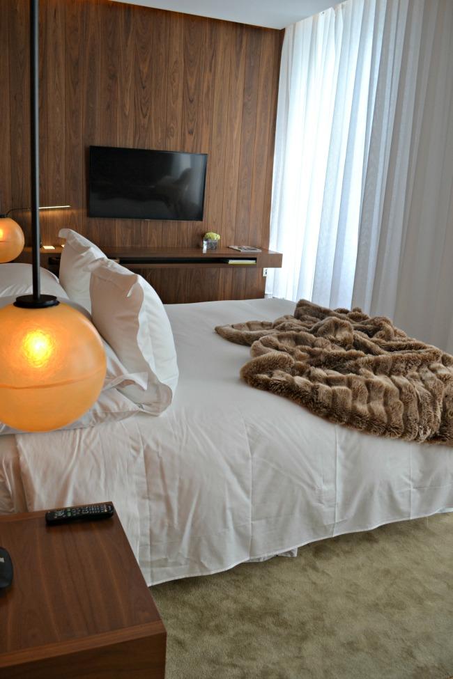 London Edition Hotel room