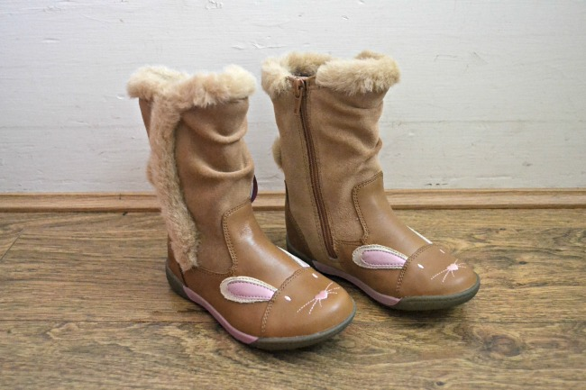 Super cute rabbit boots for girls