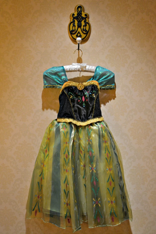 Anna-Coronation-Day-Dress-Frozen