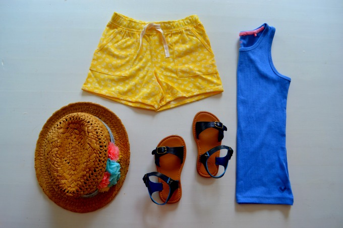 Holiday outfit kidswear