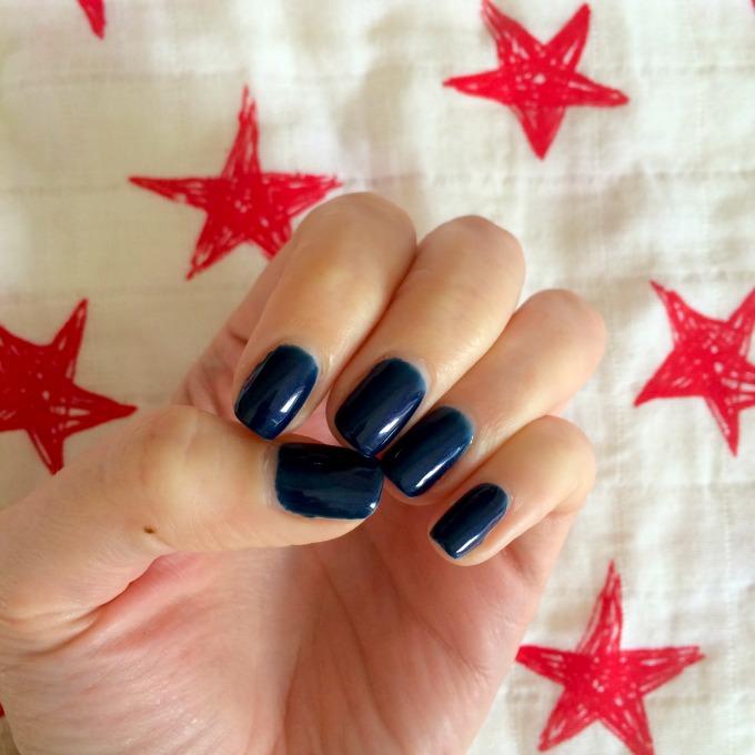 navy-nails