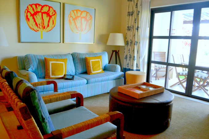 pine-cliffs-resort-living-room