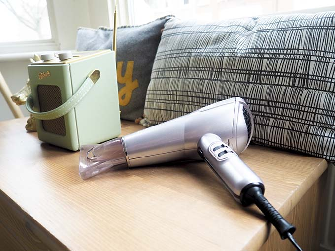 hairdryer-and-radio