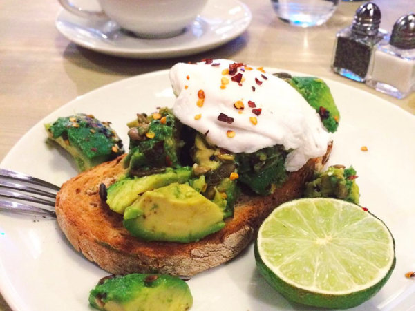 avocado-and-eggs